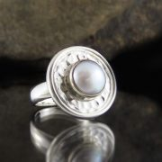 Entia Pearl ring