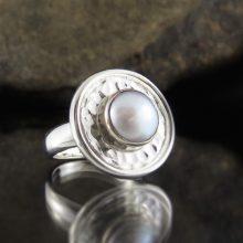 Entia Pearl ring