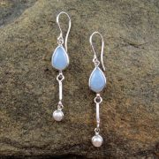 Entia Chalcedony pearl earrings