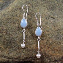 Entia Chalcedony pearl earrings