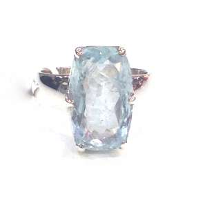 Preyas Aquamarine Ring Oblong